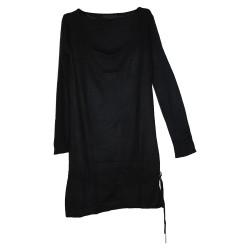 Robe noire en maille très fine
